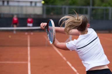 Bespan je racket regelmatig
